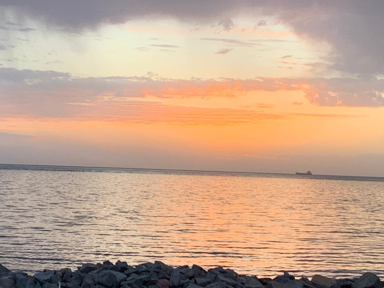 Закат красное море